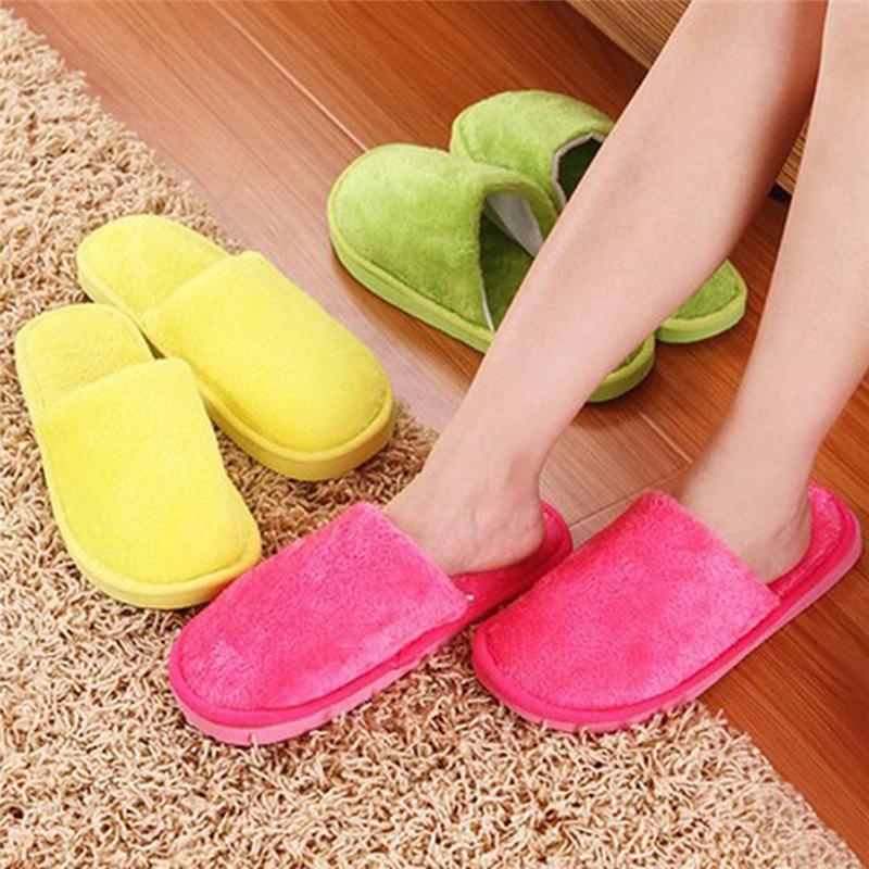 Mujeres Inicio Zapatillas Otoño Invierno Cálido Furry Peluche Zapatos de felpa interior Dormitorio Luz EVA Pareja Algodón Slipper Sólido Soft Flip Flobs