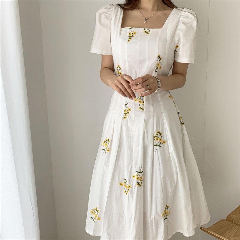 Платье Mozuleva Placed Корейский летний квадрат. Восстанавливая. Винтаж вышитые элегантные контролируемые талии длинные женские платья