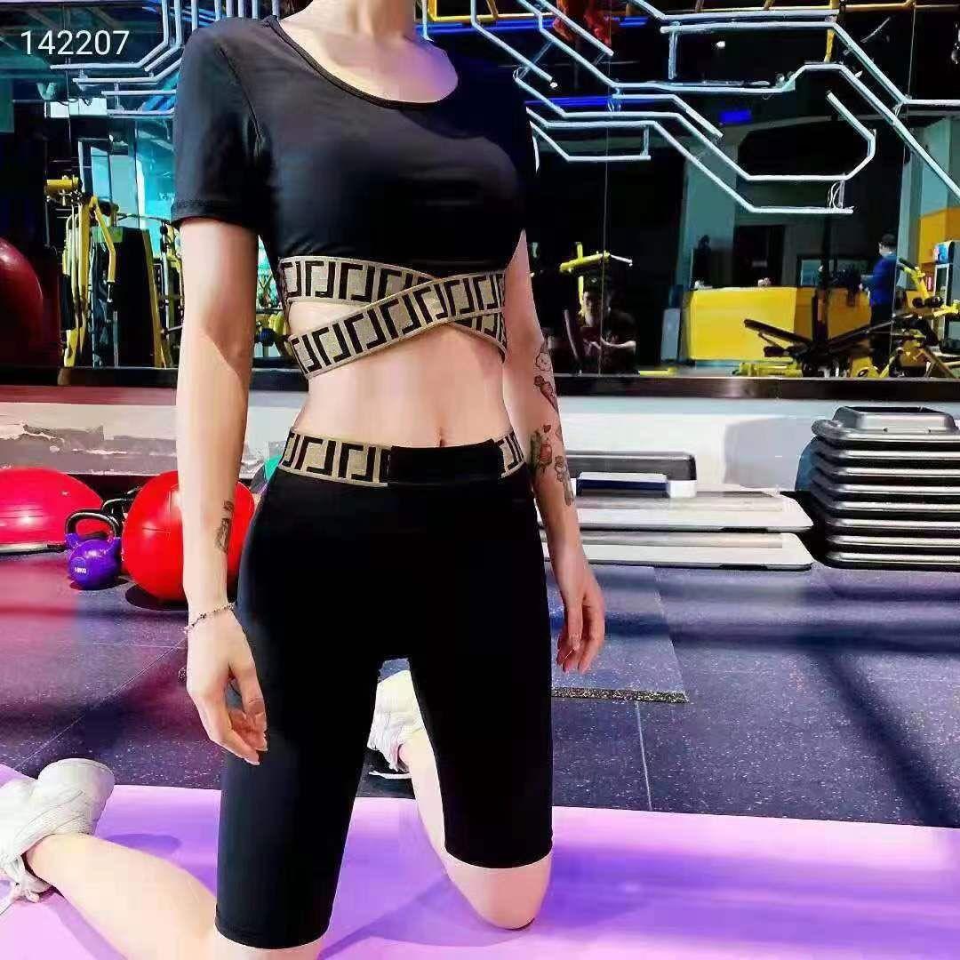 2021SS WOMANS Trainingsanzüge Yoga Sets Fen and Di Bandage Slim Shorts Zweiteiler Anzug Große Qualität Frauen Designer Kleidung Elastizität Hüfte Taille