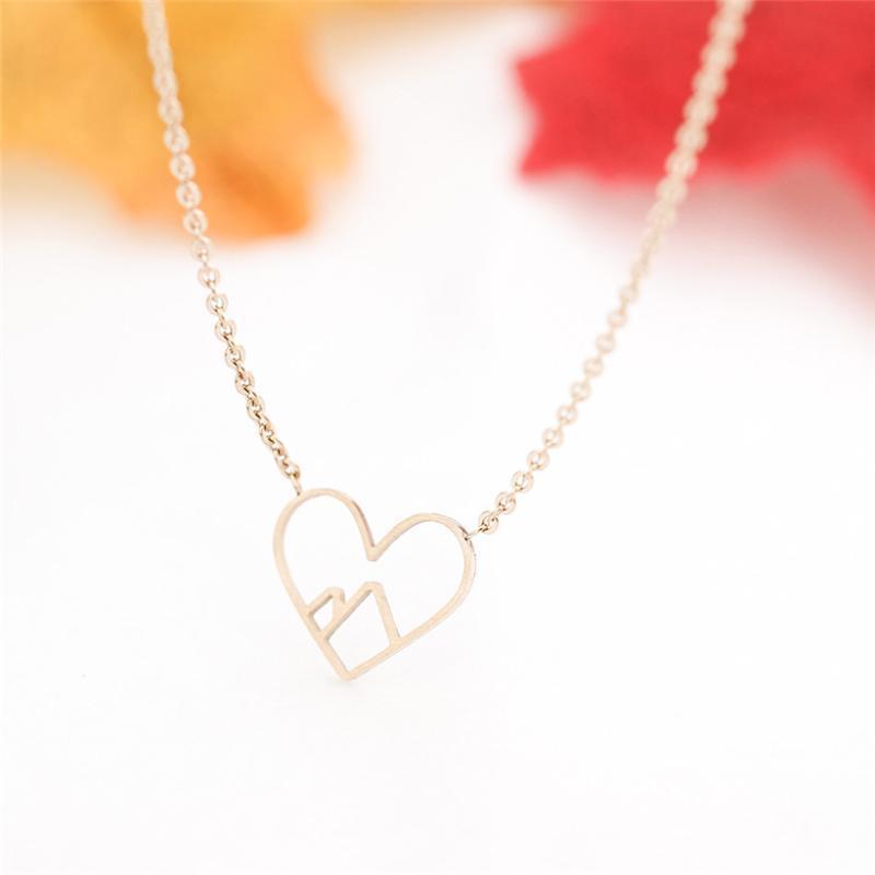 الجملة 10 قطع القلب القلائد الجبلية للنساء الأزياء والمجوهرات الفولاذ الصلب سلسلة طويلة المعلقات قلادة قلادة