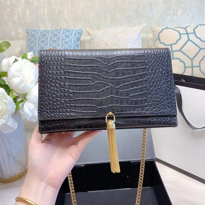 Brieftaschen Frauen Luxurys Designer Taschen 2021 SS Lady Umhängetasche Handtaschen Gold oder Silber Kette Handtasche Geldbörse Kupplung Kreuzkörper Multi Wallet Inhaber Geldbörsen