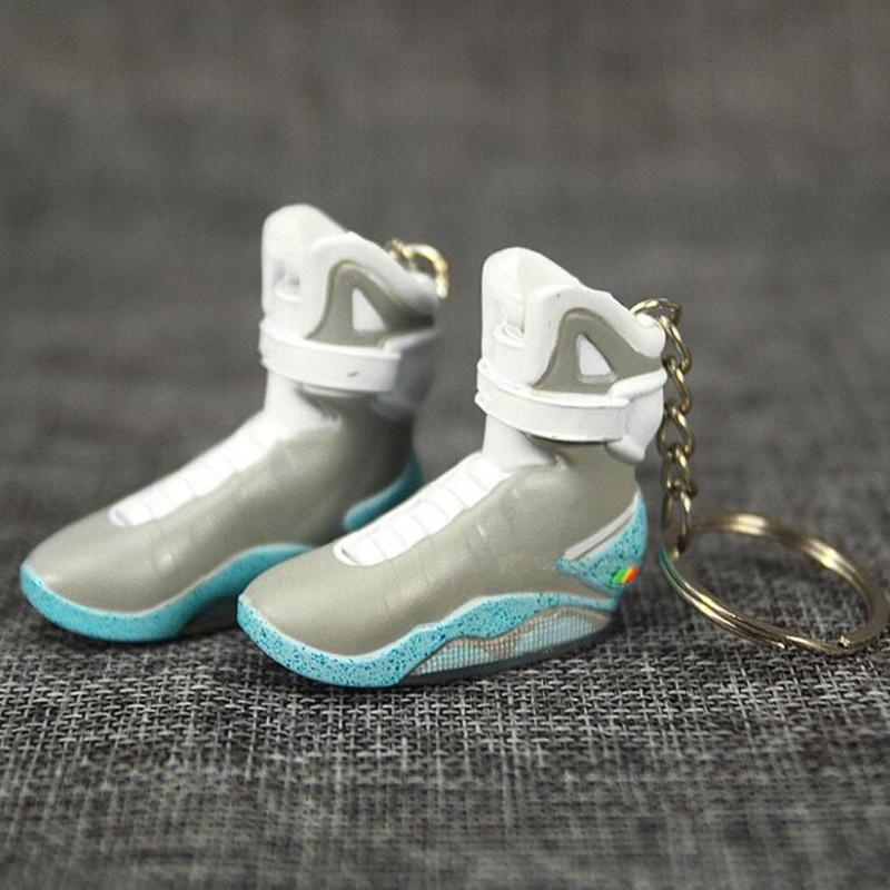 Torna al futuro Mini 3D Stereo Sneaker Portachiavi Donna Uomini Bambini Portachiavi Regalo Gift Shoes Luxury Shoes Keychains Car Handbag Catena chiave Scarpe da basket Scarpe da basket