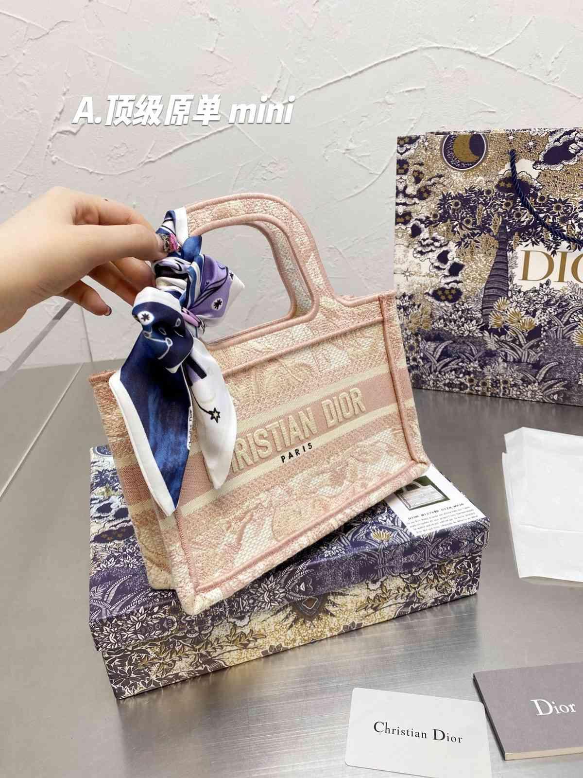 DR 2021 Designer di alta qualità di alta qualità Moda Borsa a tracolla da donna Classic Handbag di lusso in pelle Mini Puzzle Borsa messenger Borsa da tendenza Borsa da stoccaggio rpjt