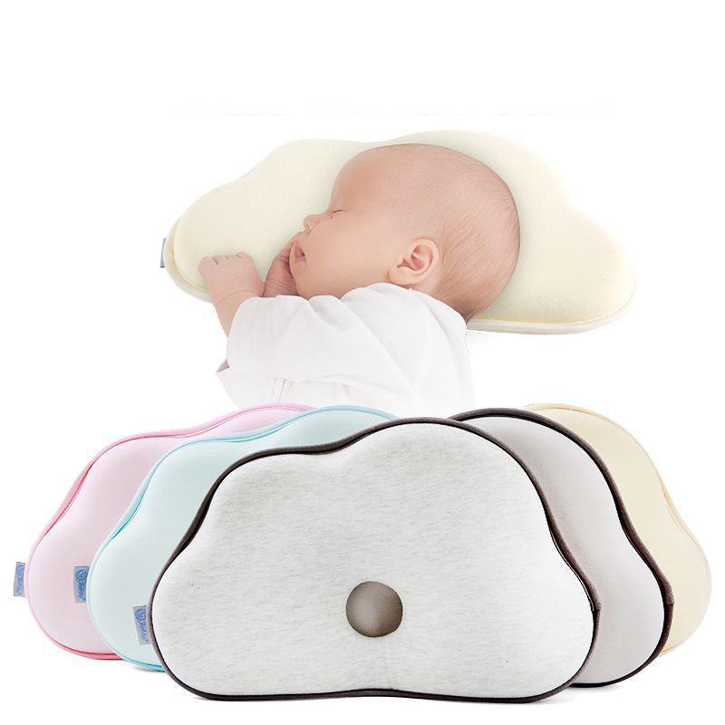 Nube anti rollo de almohada en forma de nube en forma de niño Posicionador de dormir Cojín plano cabeza plana Born Baby Redding Almohines