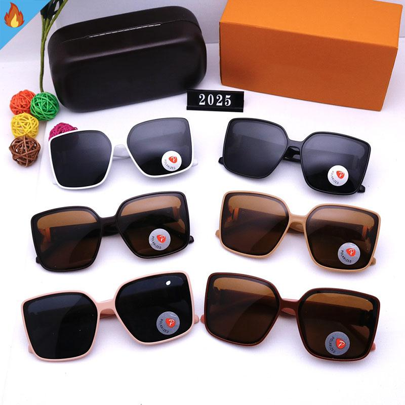 2021 Designer Designer Designer Occhiali da sole Moda Donne Designer Sunglasses Luxurys Vocazione Sole Mens Occhiali Occhiali Donna Eyewear Sunglass Metal Street