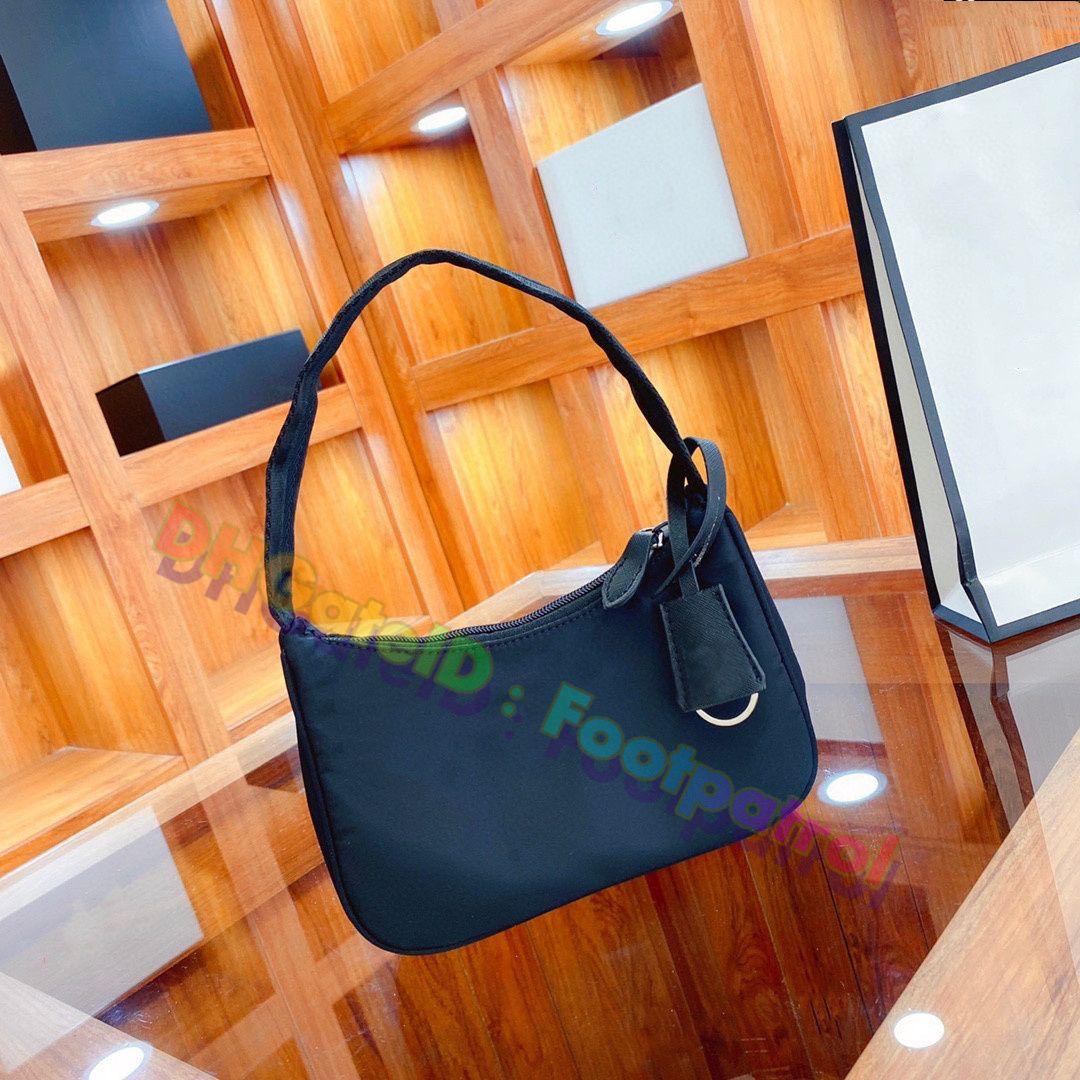 2021 Yaz Kadın Koltukaltı Tuval Çanta Debriyaj Çanta Bayan Kot Tote Çanta Luxurys Tasarımcılar Çanta Moda Armpit Çanta Çok Renkli Cüzdan Cep Telefonu Cebi