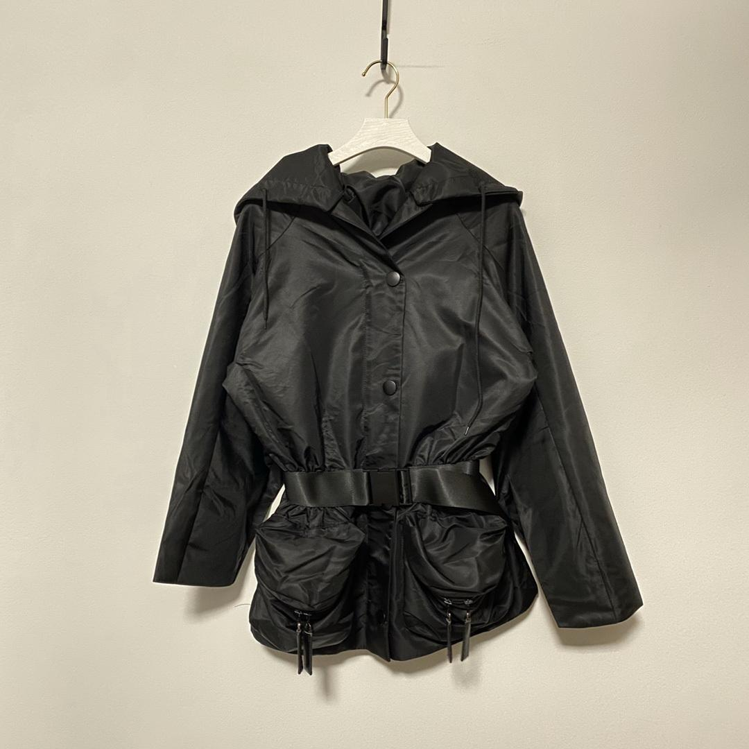 2021 mulheres designer jaqueta de manga curta ou longa tshirts primavera verão 4 estilos diferentes slim letras cinto para lady jackets outwear windbreaker roupas clássicas