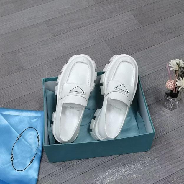 Top Designer di alta qualità da donna allentato scarpe formale formale boutique moda ingranaggi in pelle da cucito taglia 34-41