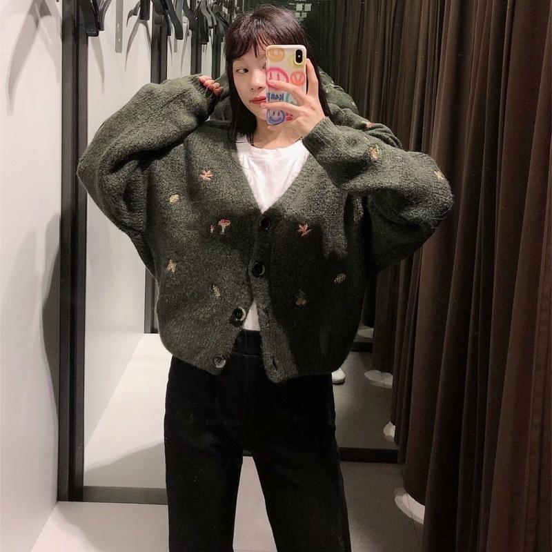 여성 2021 패션 자수 니트 카디 건 스웨터 빈티지 긴 소매 단추 위로 여성용 겉옷 세련된 꼭대기 여성용 니트 티셔츠