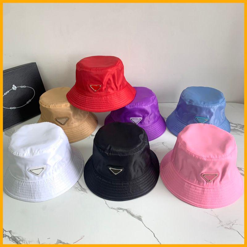Nylon Bucket Chapéu Unisex Mulheres Homens Chapéus Triângulo Luxurys Designers Caps Bone Bonet Beanie Dots Designer P Cap Womens Sunhat 22 D2107072L