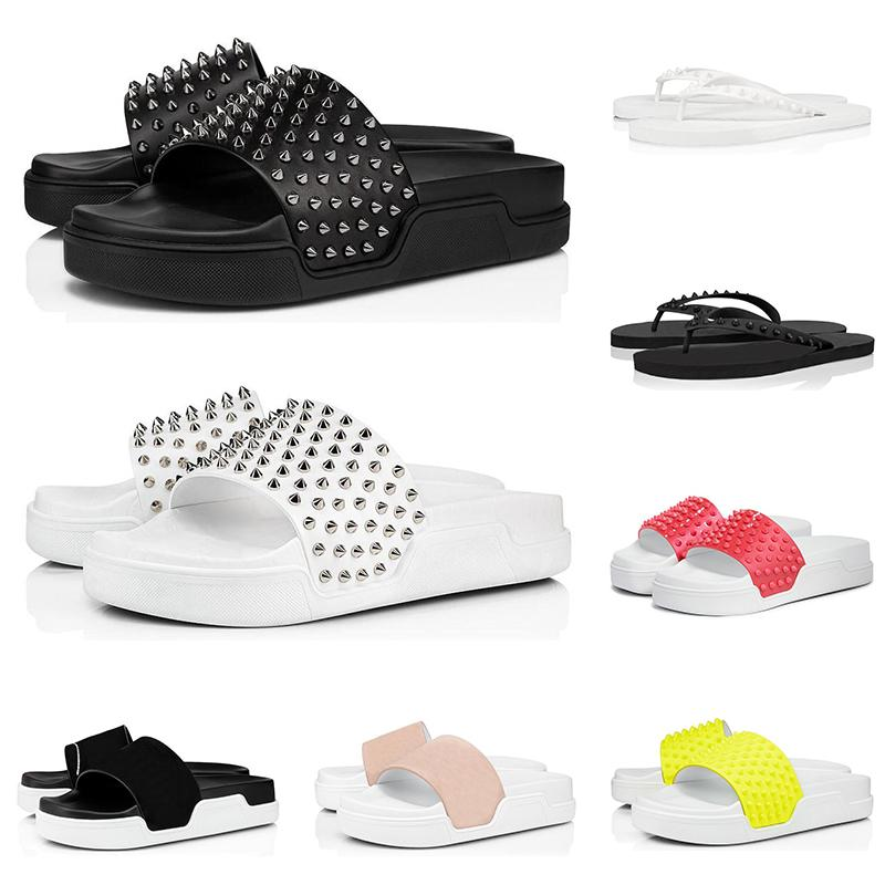 2020 Rotunterseiten Männer Pantoffeln Mode Luxus-Designer-Dias dreifach schwarz weiß Spitzen der Männer flache Flipflopsandelholze Strandhotel Plattform