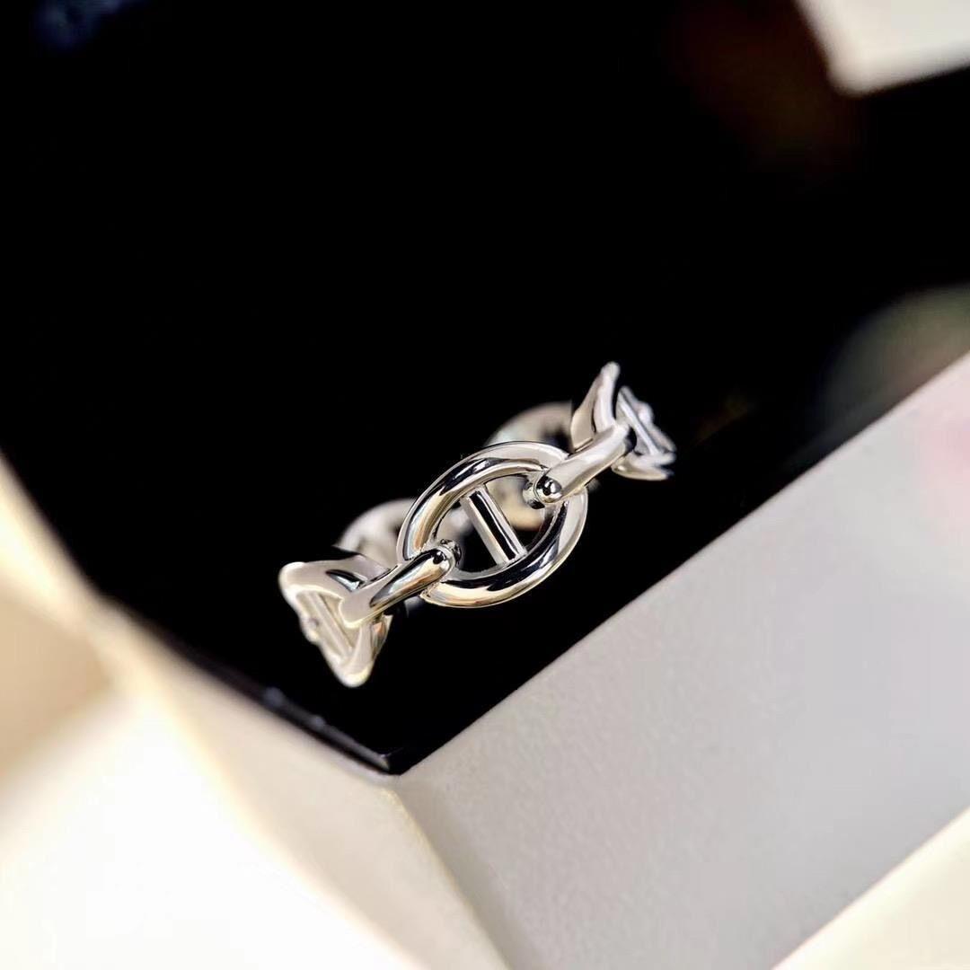 Anelli di lusso New Fashion Fashion Creative Jewelry Smalto per le donne Man Designer H Lettera Anelli Banda Donna Partito Amanti da sposa Amanti regalo Gioielli Anelli con scatola