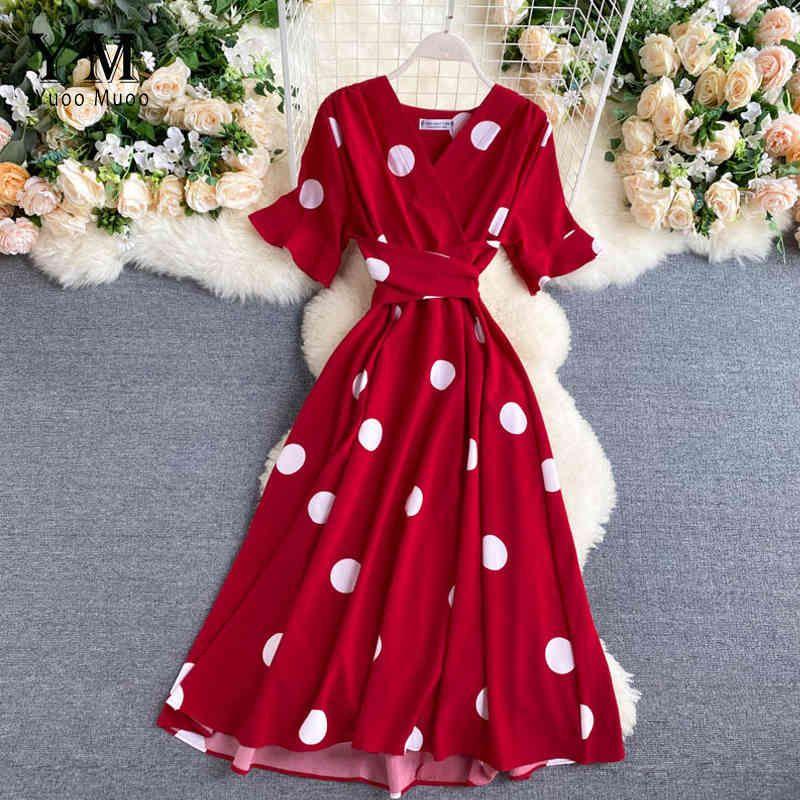 Yuoomuoo 2020 Vintage Big Polka Dot Imprimir V Cuello Vestido Vestido Vestido Casual Verano Midi Vestido Fiesta Mujeres Elegante Vestido Gran Columpio Rojo X0521
