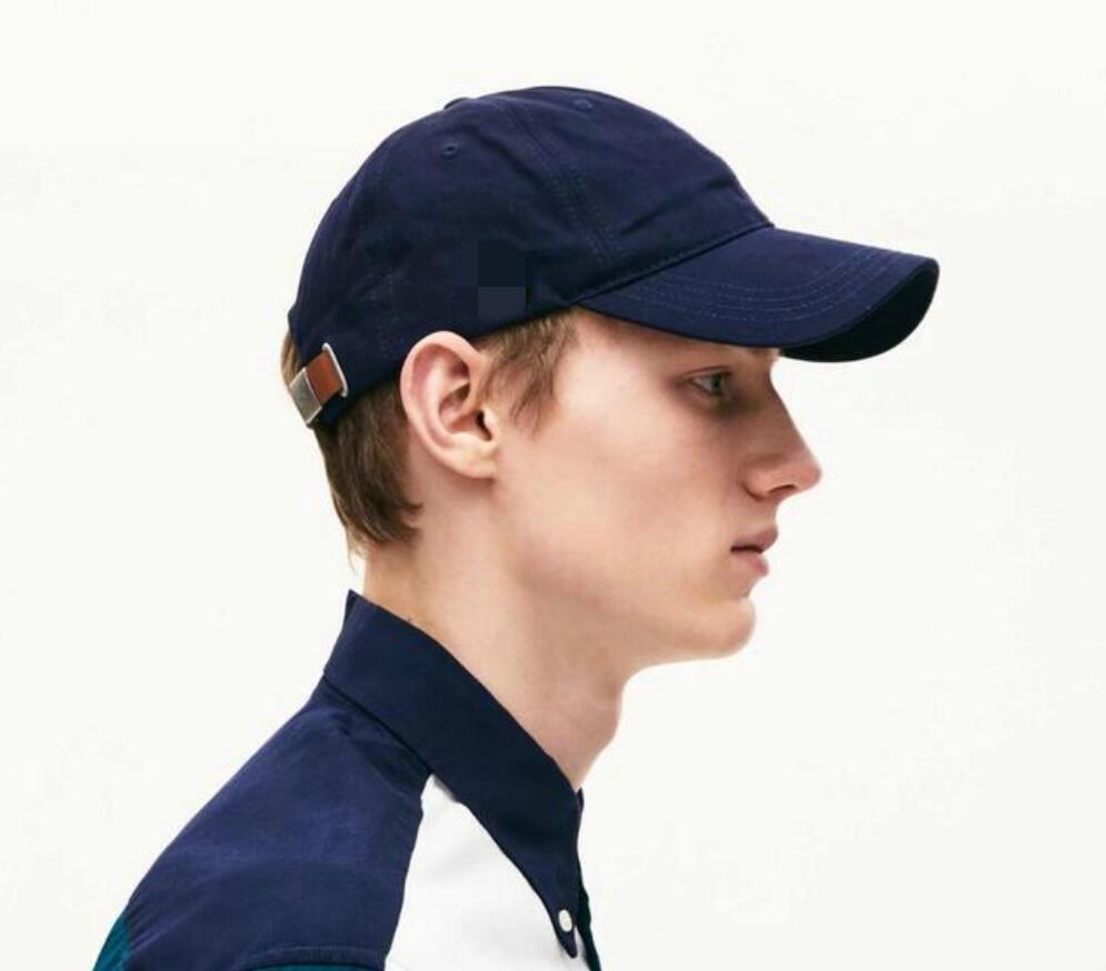 2021 I nuovi cappelli a sfera per le donne e gli uomini cappello da calcio sportivo moda da baseball