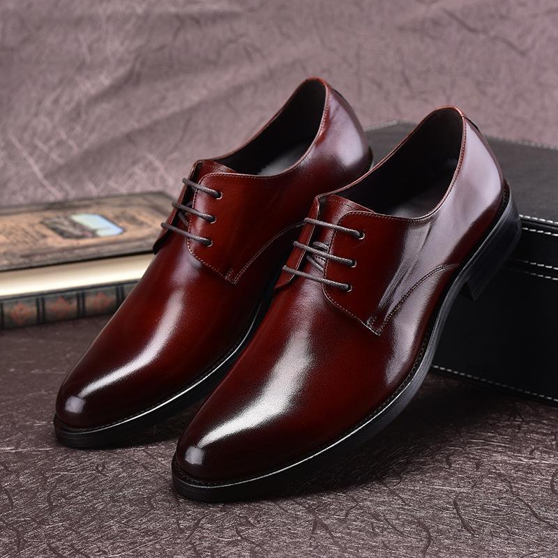 Sapatos de vestido de couro dos homens Negócio formal desgaste Lace-up Rodada dedo do pé de dedo do pé dos homens de casamento Cowhide confortável Oxfords Chaussure Homme