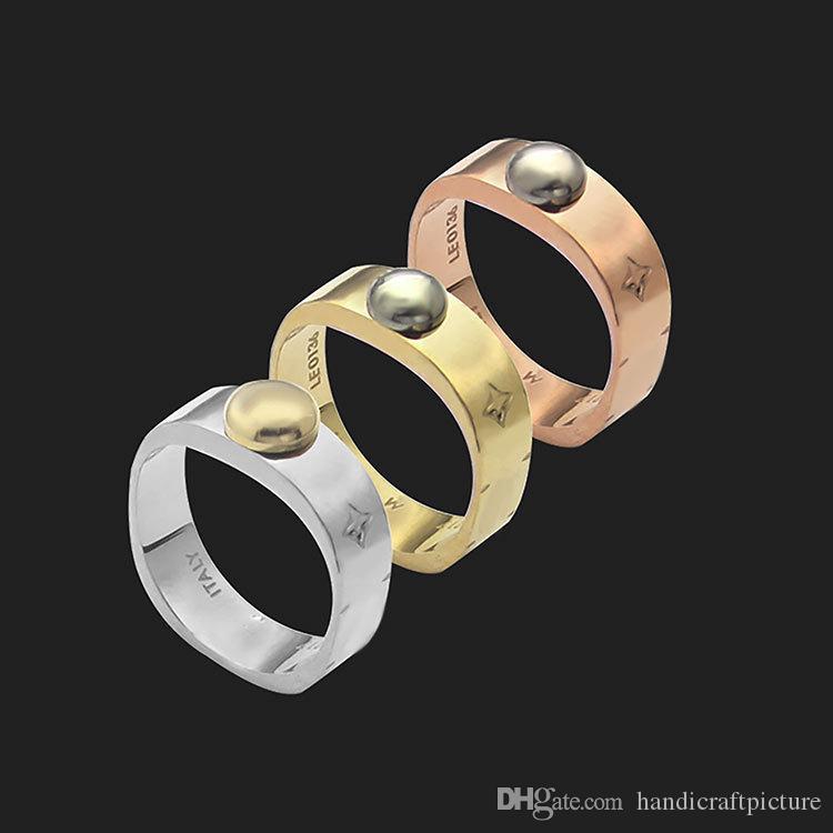 Luxus Designer Schmuck und Männer und Frauen Ringe mit monogrammiertem quadratischem Druck Vierblatt Blume Runde Nagelringe zum Valentinstag
