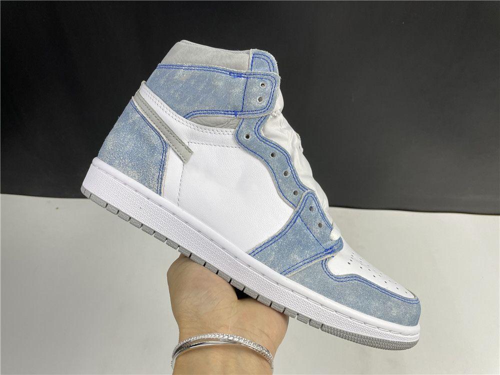 Kutu Erkekler Kadınlar 1 S Basketbol Ayakkabıları 1 Yüksek OG Hiper Kraliyet Tasarımcısı Lüks Eğitmen Atletik Spor Sneakers