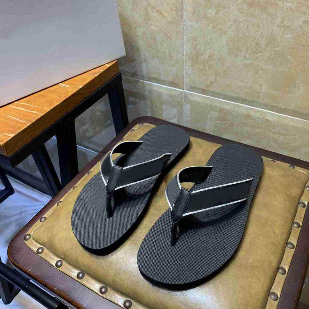 2021 Yeni Servis Tanımlama Sürgü Erkek Moda Yaz Sandalet Plaj Terlik Çevirme Loafer'lar Siyah Beyaz Siyah Slaytlar Chaussures Ayakkabı