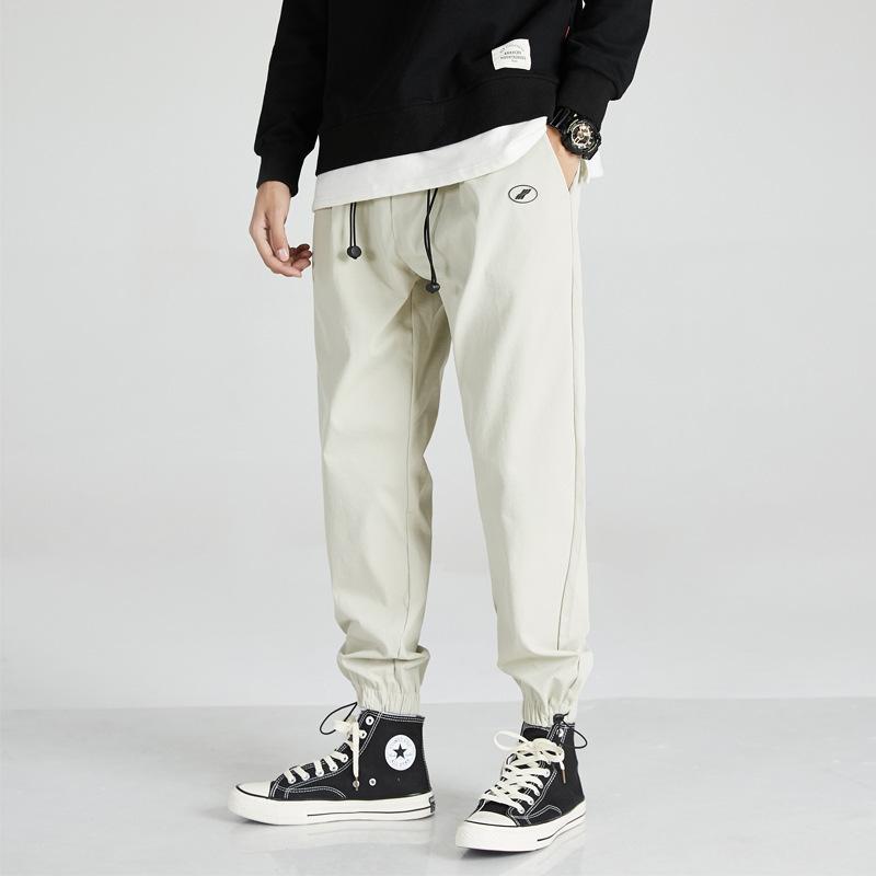 Nuevo verano 2021 Pantalones casuales de corsé de 9 puntos para estudiantes masculinos
