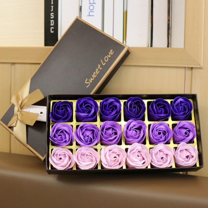 الزهور الزهور أكاليل 18 قطع مجموعة زهرة الصابون مع هدية مربع للنساء روز حمام عيد الحب البتلة محاكاة الوجه