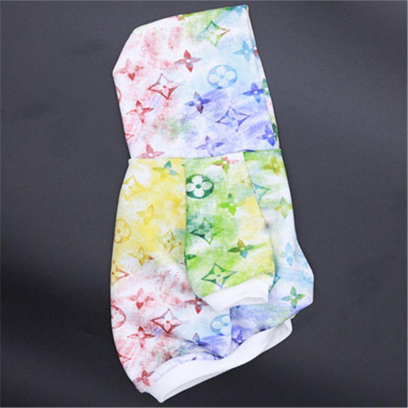 Commercio all'ingrosso moda cane abbigliamento design classico abbigliamento per animali domestici autunno estate teddy stampato stoffa