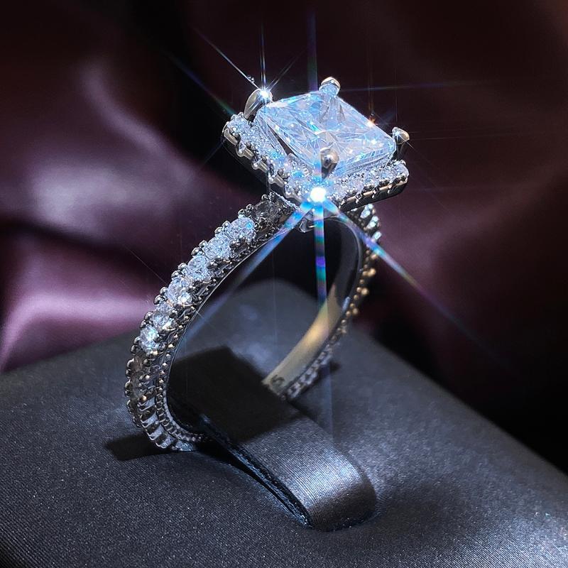 Eheringe HCH Love Klassische Quadratische Form Frauen Jäten Ring Hohe Qualität Princess Cut Zirkon Elegante Dame Ehe Zeitlos