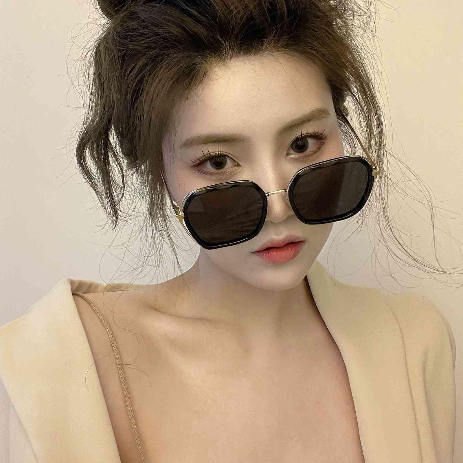 2021 Korean version new net red Polarized Sunglass Women's trendy large frame sunglass driving sun visors
