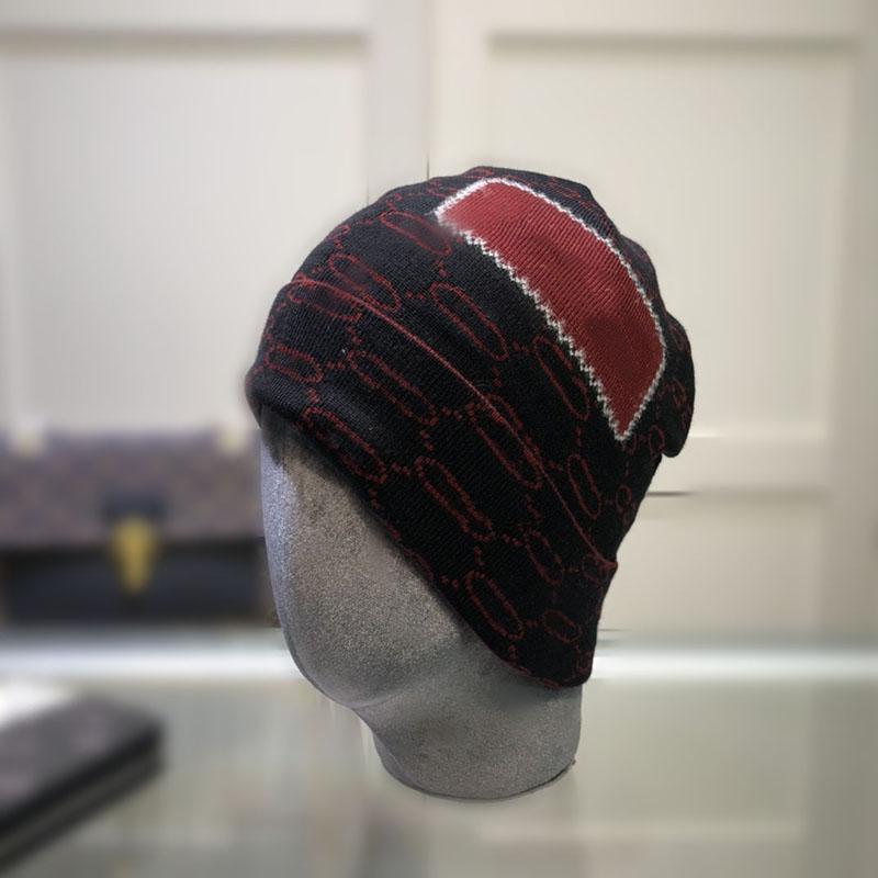 Classic lettera grande striscia a maglia berretto berretti per uomini donne autunno inverno caldo caldo spesso di lana ricamo cappello freddo coppia coppia moda cappelli