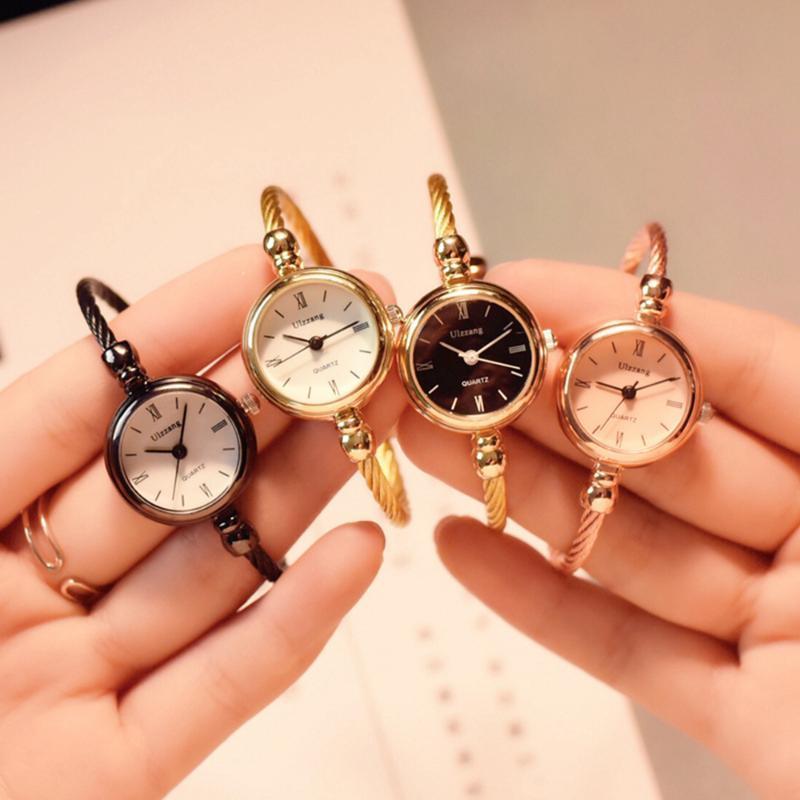 Pequenas mulheres assistem luxo pulseira de ouro 2021 moda pulseira de aço leal marca senhora retrô de quartzo relógio de pulso casual vestido de roda relógios de pulso