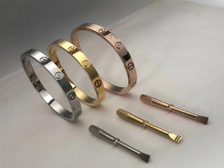 Elegante pulsera de oro de oro de plata de acero inoxidable 18K de oro para mujer y hombres con joyero destornillador bolso original