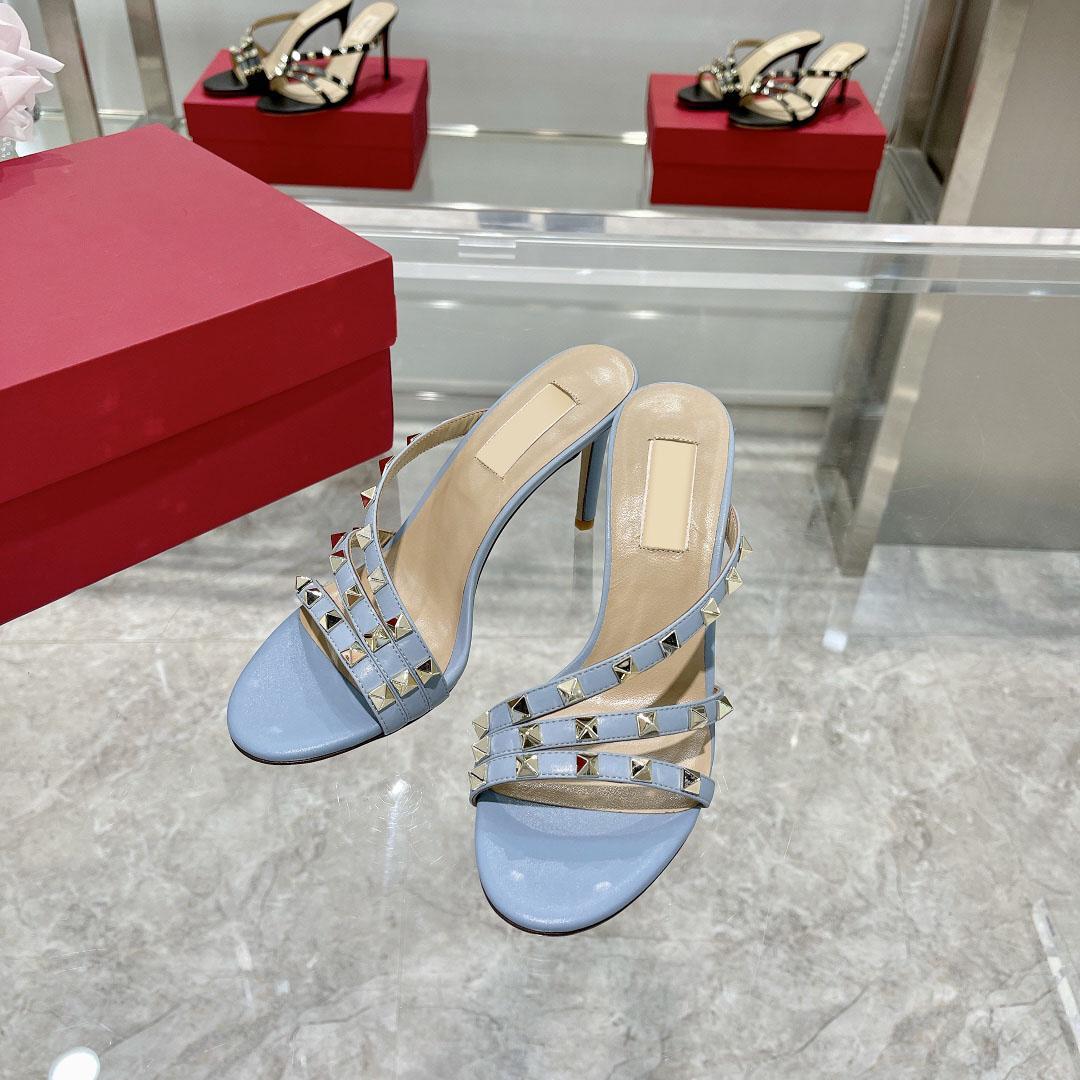 Новый сезон туфли тапочки имеют качественное чувство, слишком хорошее особое ощущение металлической фольги полный старший 6 см пятки 35-42