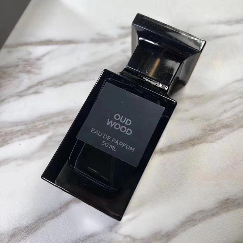 Perfumy dla mężczyzny i kobiety Soleil Blanc / Oud Drewno 50ml Lost Cherry Rose Pulches Perfumy Zapach Parec Spray