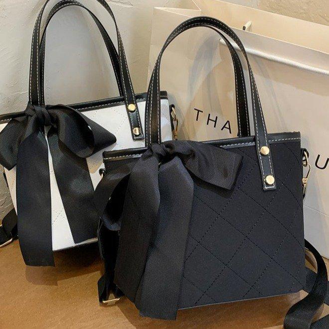 Sac à main brodé Sac de mode Seau d'eau Version coréenne du sac à main en tempérament des sacs à épaules