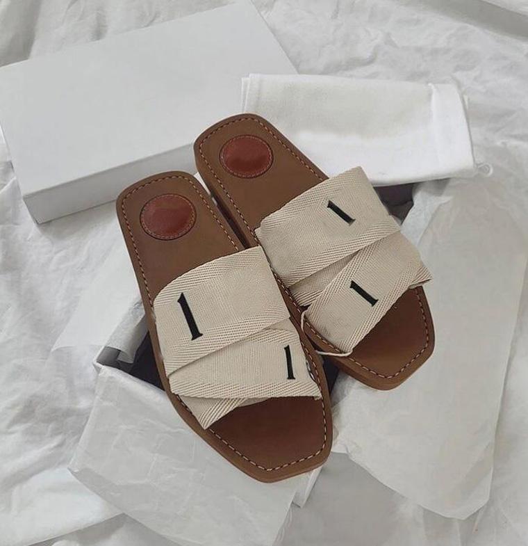 Mulheres Woody Mules Chinelos Designer Canvas Plano Bordado Cross Woven Sandálias Verão Ao Ar Livre Peep Toe Slipper Letter Sapatos de estilista com caixa