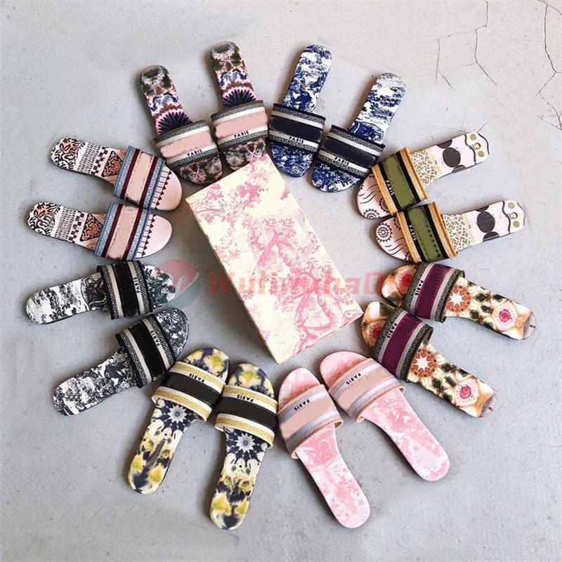 Kutu Bayan Terlik Yaz Moda Luxurys Tasarımcılar Slaytlar Kadın Çevirme Sandal Brocade Çizgili Harfler Düz Çiçekler Paris Loafer'lar Boyutu 35-41