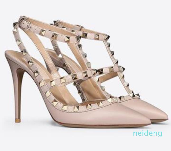 2021 mujeres tacones altos sandalias zapatos de boda patente remaches de cuero sandalias mujeres tachonadas de tiras de tiras zapatos v de tacón alto + caja