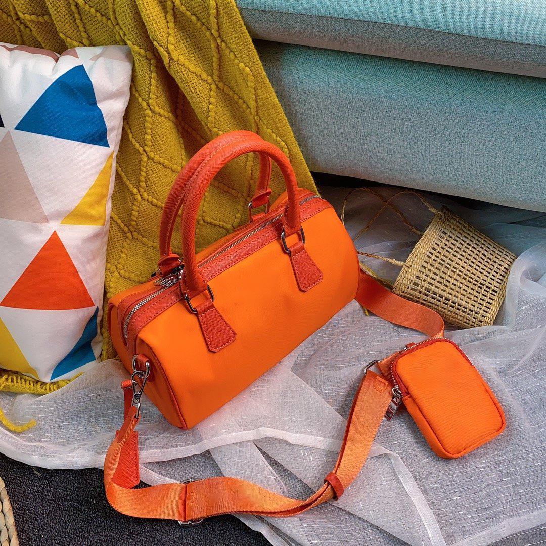 패션 디자이너 럭셔리 숄더 가방 고품질 베개 여성 남성 간단한 핸드백 CFY20042445