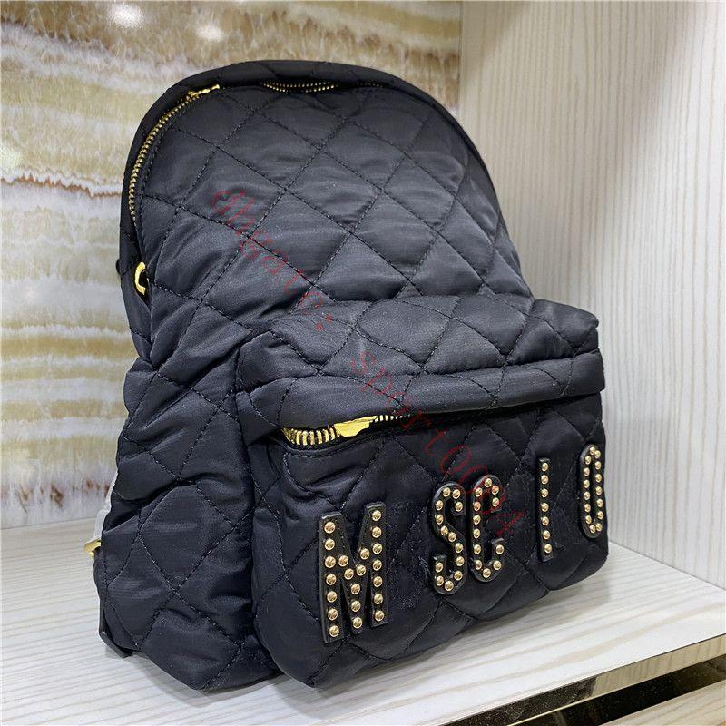 2021 Femmes célèbres Marque Sac à dos de luxe Designer de luxe Sacs à dos large de haute qualité Nylon sac à main pour ordinateur portable sac et sac à main