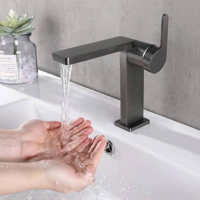 Bathroom Sink Faucet Vintage Antique Lavatory vanity vessel Mixer Tap Hot&Cold Wash Basin Taps Single Hole Washroom Brass Chrome Gun Mate Black