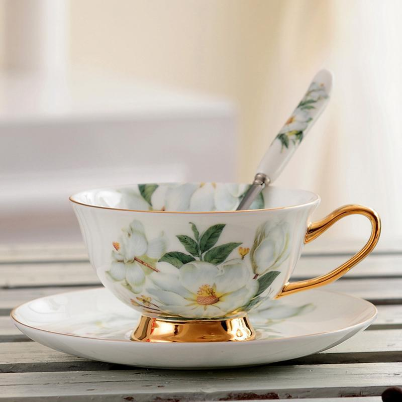 Classic Fine Bone China Tea Cups And Saucers Set Ceramic Black Coffee Cup Floral Pattern Porcelain Teacup Fancy Teaware Gift &
