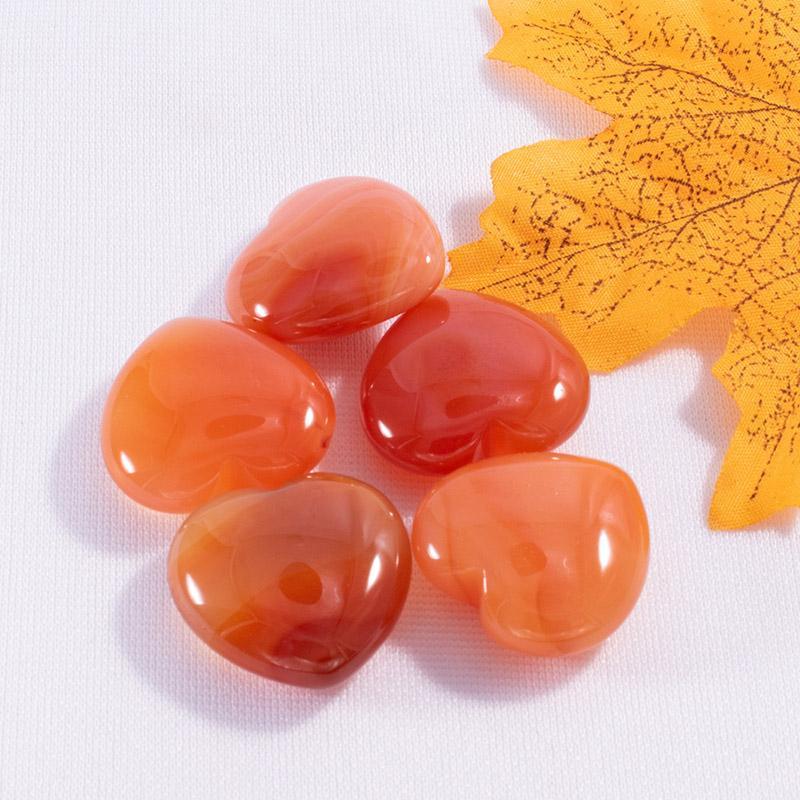 حجر الكريستال الحجر الطبيعي لصالح القلب شكل الأحجار الكريمة الحلي اليوغا شفاء الحرف الديكور 25MM CCF6025