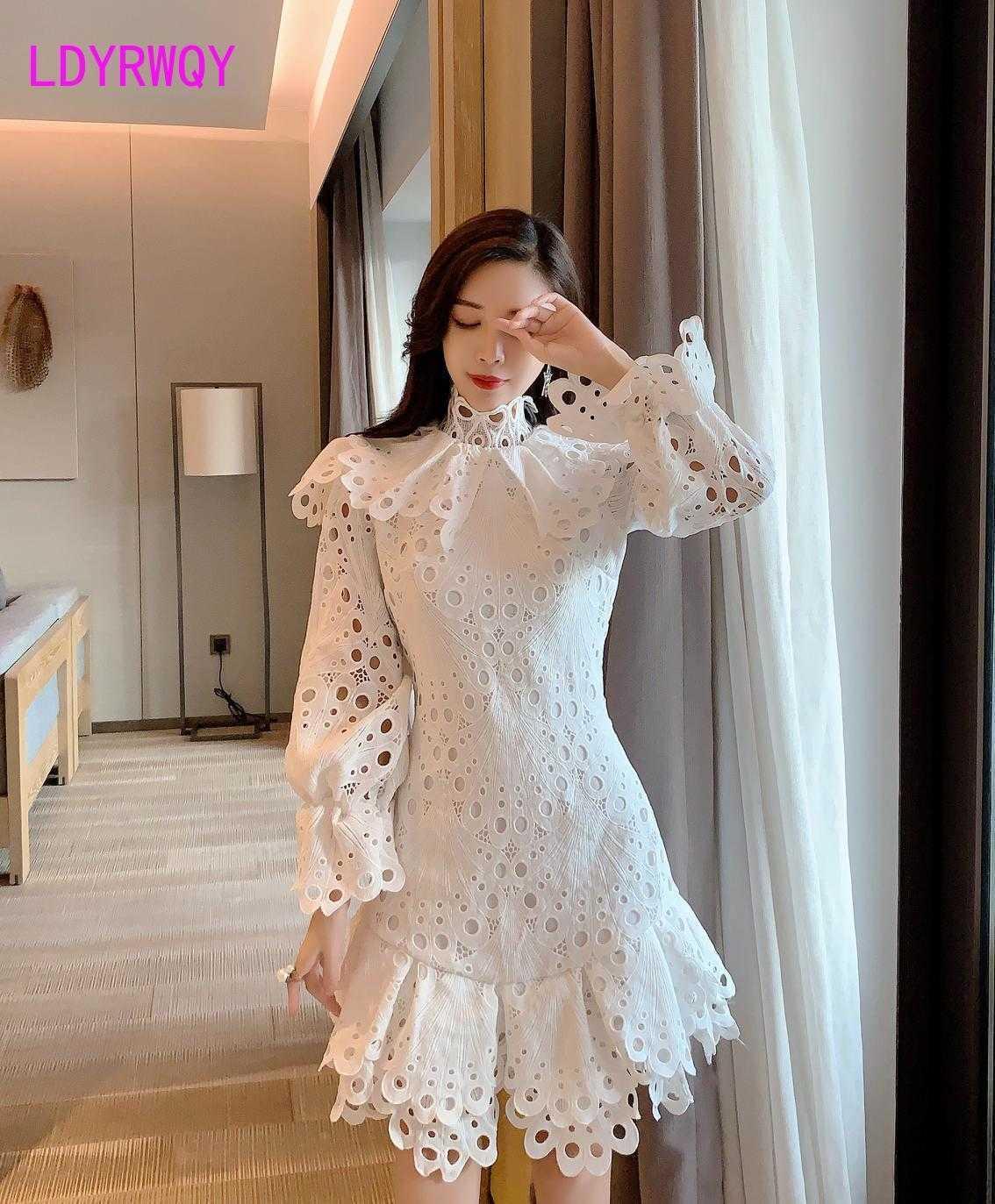 Dress Sexy Hollow Lantern Sleeve Long Heavy Industry IRReGular White Knee-lunghezza Zippers Lace 210603