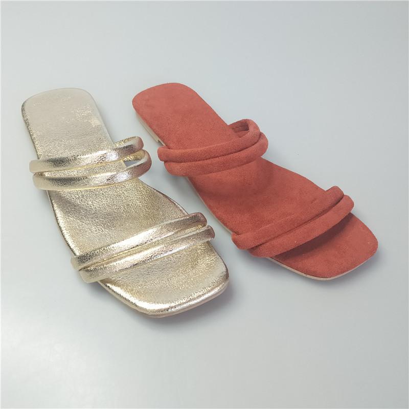 Estilos de las sandalias planas de las mujeres de la mejor calidad y oro, zapatos femeninos negros zapatillas de playa de la playa
