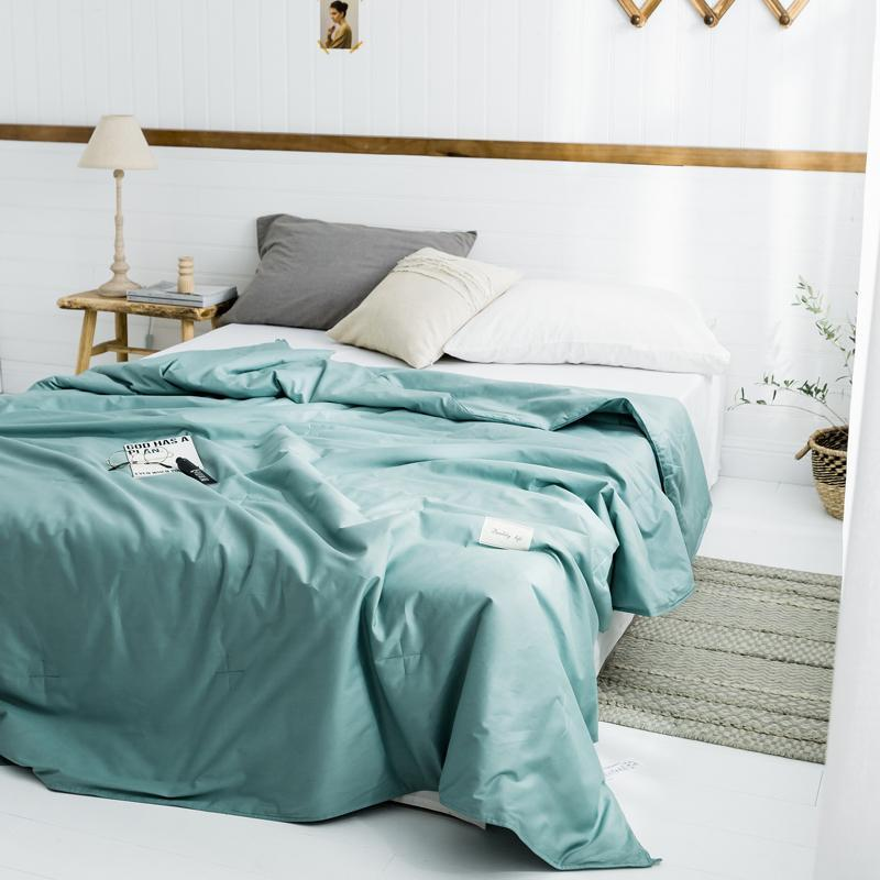 Skin-friendly Cotton Summer Quilt Simple Solid Color Air-conditioning For Adults Lightweight Sleeping Cover Blanket Comforters & Sets