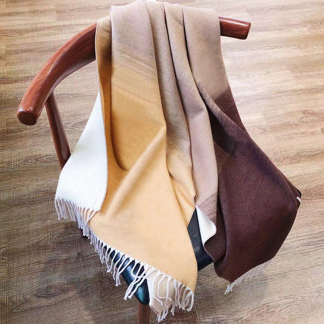 여성 럭셔리 스카프 큰 크기 여자 인쇄 자수 3style 디자이너 shawls F 실크 겨울 인쇄 풀린 사각형 머리 스카프 무료 배송
