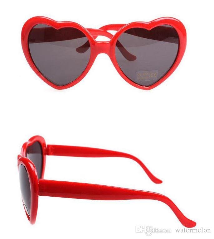 20pcs Beach Womans Sunglasses Luxe Hommes Sun Lunettes De Soleil Forme Coeur Designer Designer Lunettes De Métaient Métal Charnière Mode Femmes Spectacles Glitt