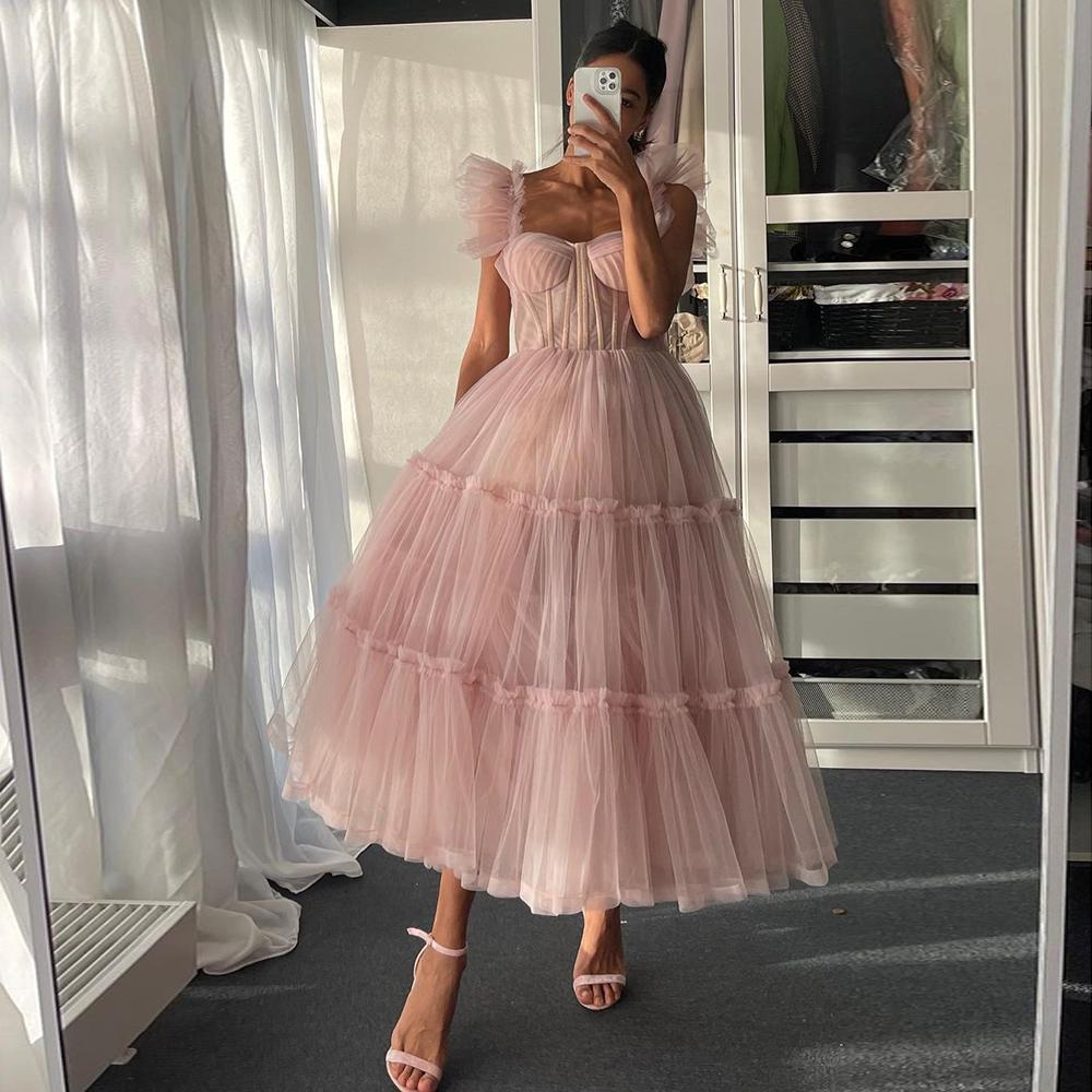 간단한 밝은 핑크 짧은 댄스 파티 드레스 스파게티 스트랩 계층화 된 얇은 툴레드 가운 스위아 티 길이 저녁 파티 드레스