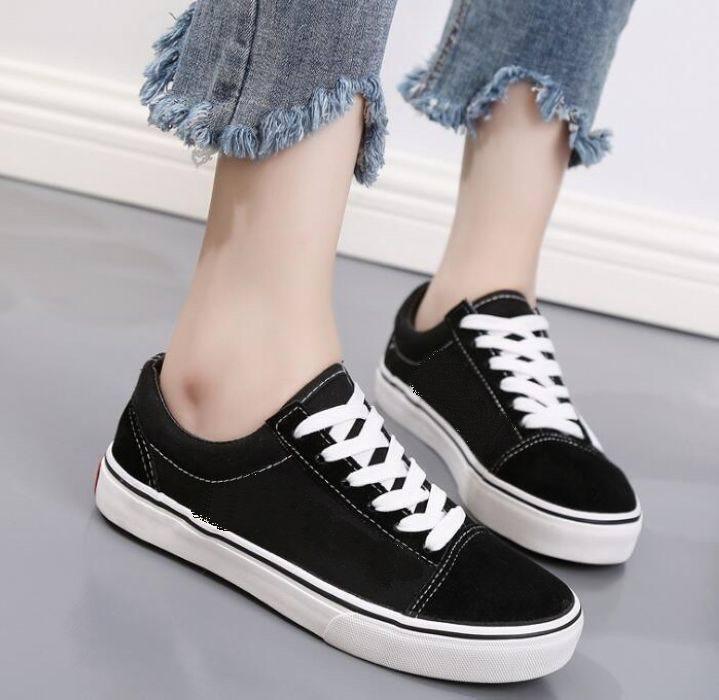 2021 الكلاسيكية قماش الرجال النساء عارضة الأحذية الكلاسيكية أسود أبيض سكيت المعاول حجم 36-45