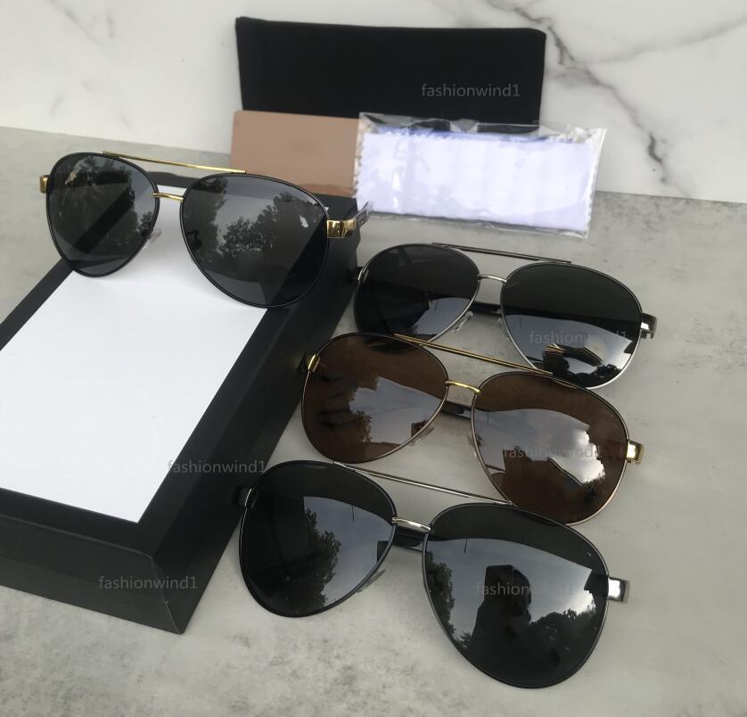 Designer Sunglasses da uomo Donne Eyeglasses Sfumature da esterno Telaio in metallo moda classica signora occhiali da sole specchi per uomo con scatola 10015