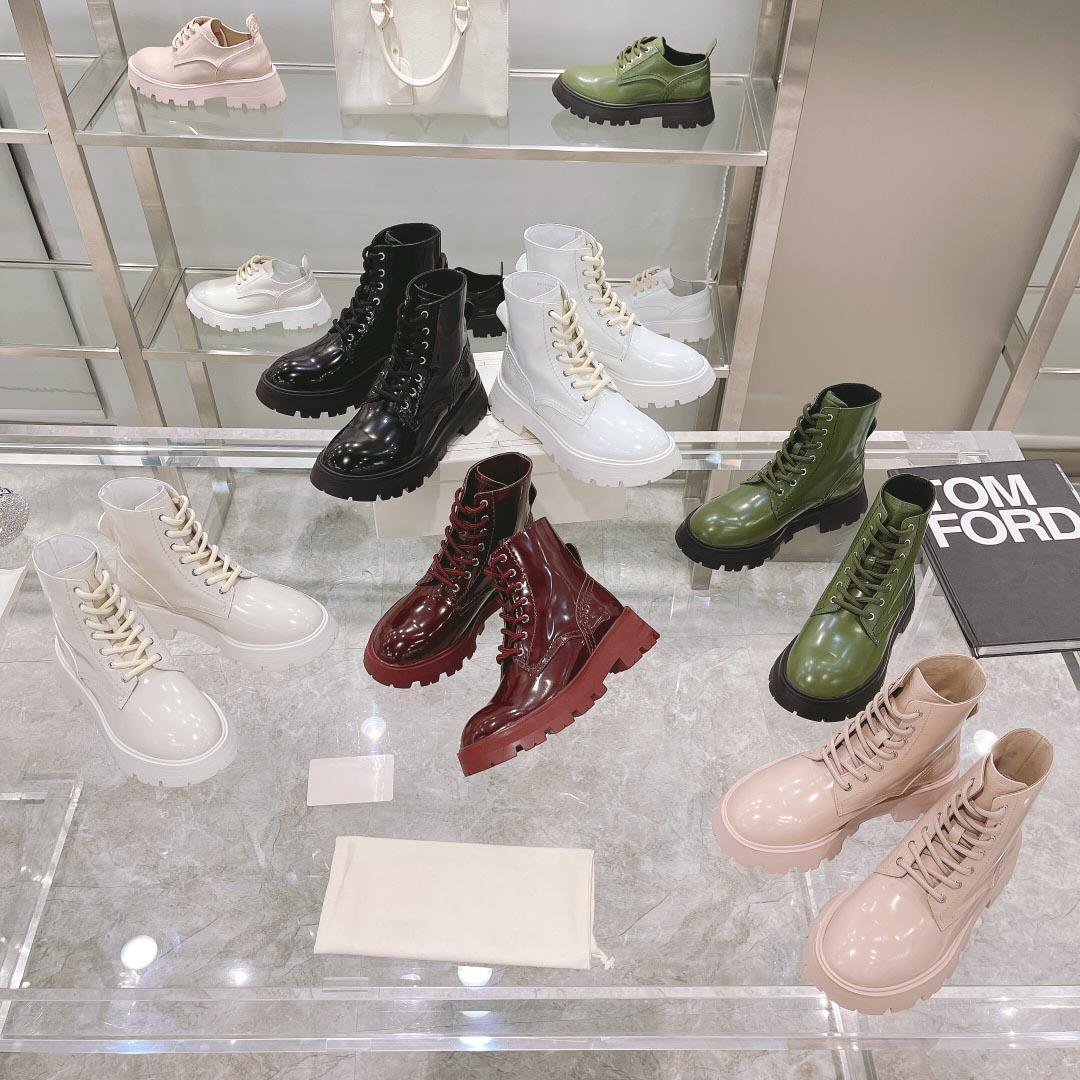 2021 Donne High Top Stivali corti Fashion Sexy Pelle Piattaforma di pelle Boot Designer Lussurys Ladies Scheda spesso in fondo scarpe casual taglia 35-40